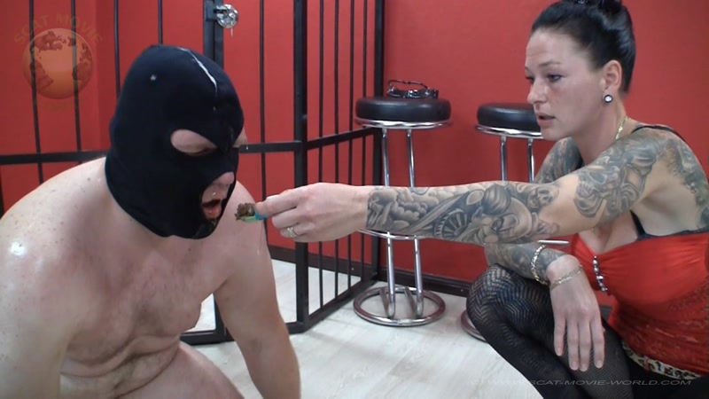First in first out - Femdom Scat (SCAT / 20 Oct 2016) [FullHD]