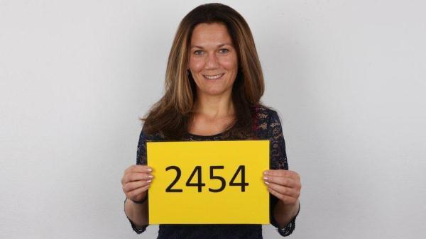 Monika (2454) - CzechCasting.com/CzechAV.com (SD, 540p) [Casting, Mature, Amateur]