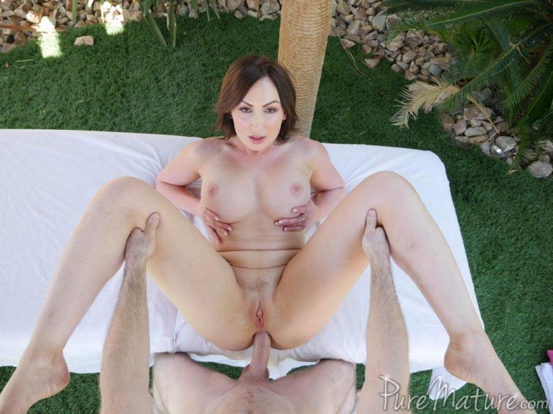 Pur3M4tur3.com: Yasmin Scott - Wet and Wild Anal [SD] (524 MB)