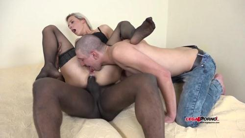 LegalPorno.com [Bianca Ferrero enjoys black cock with her husband watching. Interracial cuckold sharing sperm IV001] SD, 480p