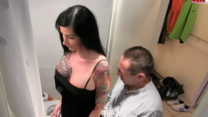 MDH - Anna70F - Mein Stiefvater das perverse Dreckschwein! [HD 720p]