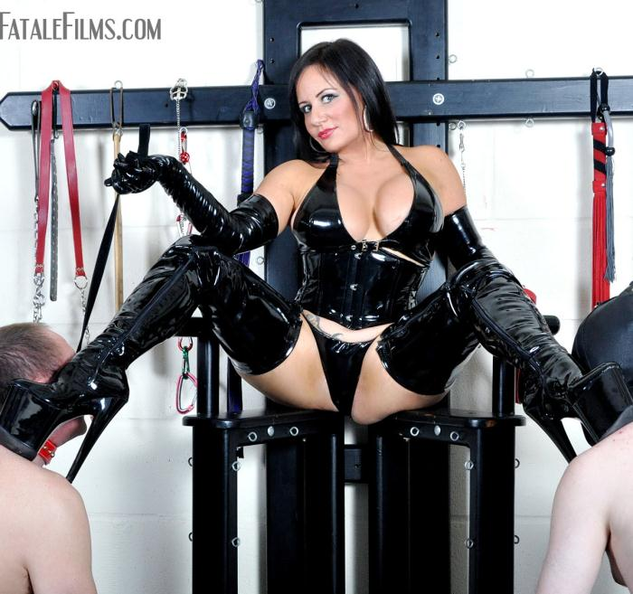 FemmeFataleFilms - Mistress Real - The Best Boot Licker [HD 720p]
