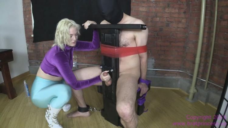 Brat Punches Balls and Jerks Dick / Jenna Ivory / 26 Oct 2016 [BratPrincess, Clips4sale / FullHD]