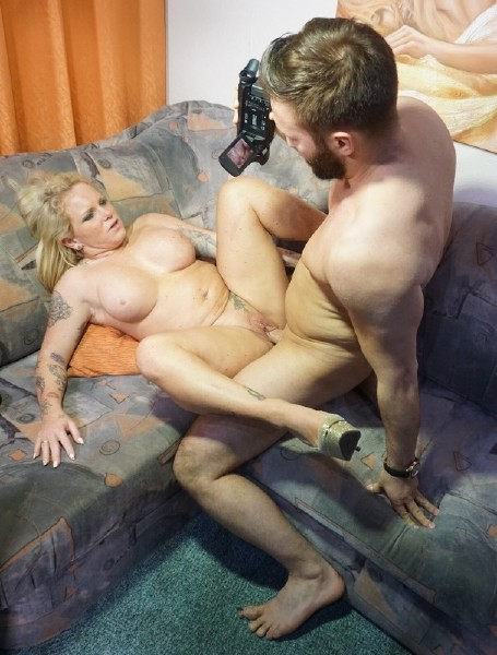 (SexTapeGermany.com) Gina Valentina, Paco - A busty blonde German babe with curves rides a dick during amateur sex tape (SD/480p/319 MB/2016)