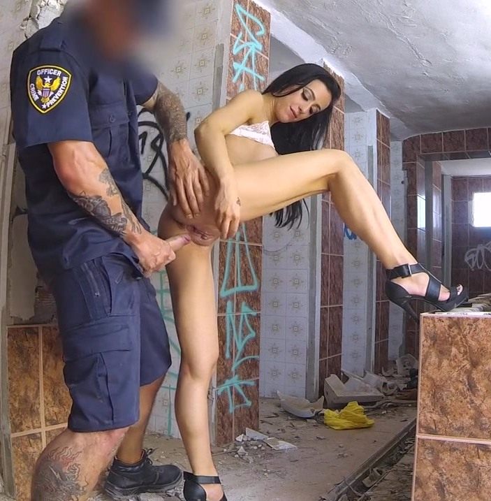 FakeCop: Skyler McKay - Dirty Cop, Dirty Slut, Dirty Sex  [HD 720p] (634 MiB)
