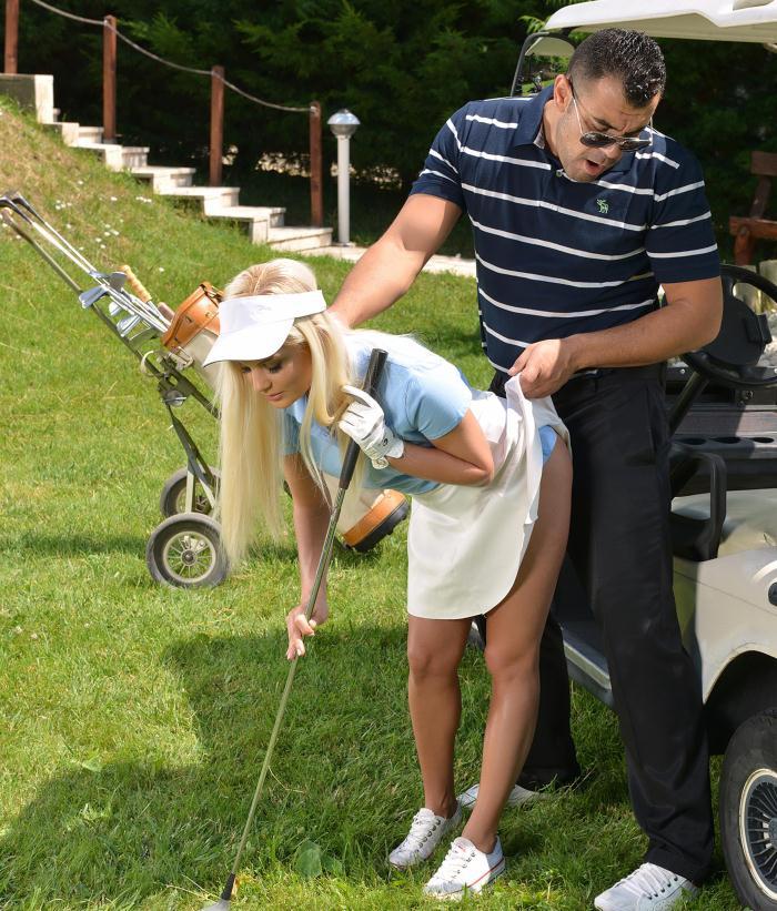 Candee Licious - Deep Throat Warmup - Golf Instructor Fucks Hot Blonde  [HD 720p]