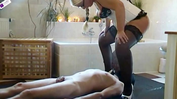 Scat - Shit and piss for the slaves mouth! - Femdom Scat (Extreme) [FullHD, 1080p]