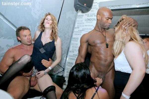Party Hardcore Gone Crazy Vol. 30 Part 5 / 03.10.2016 - P4rtyH4rdc0r3.com (SD, 540p) [Orgy, Blowjobs, Amateur, Interracial, Male strippers, Hardcore, Party, Deep throat, Face fucking, Blondes, Dancing, Brunettes, Bbc, Group sex]