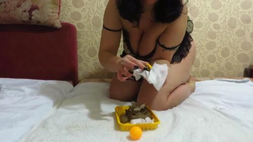 Scat [Girl shit next to tennis balls - Solo] FullHD, 1080p