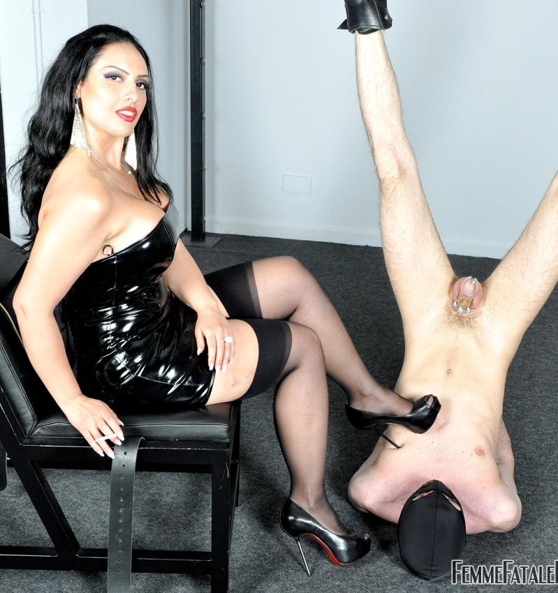 FemmeFataleFilms: Mistress Ezada Sinn - The Worship Hoist  [HD 720p] (250 MiB)