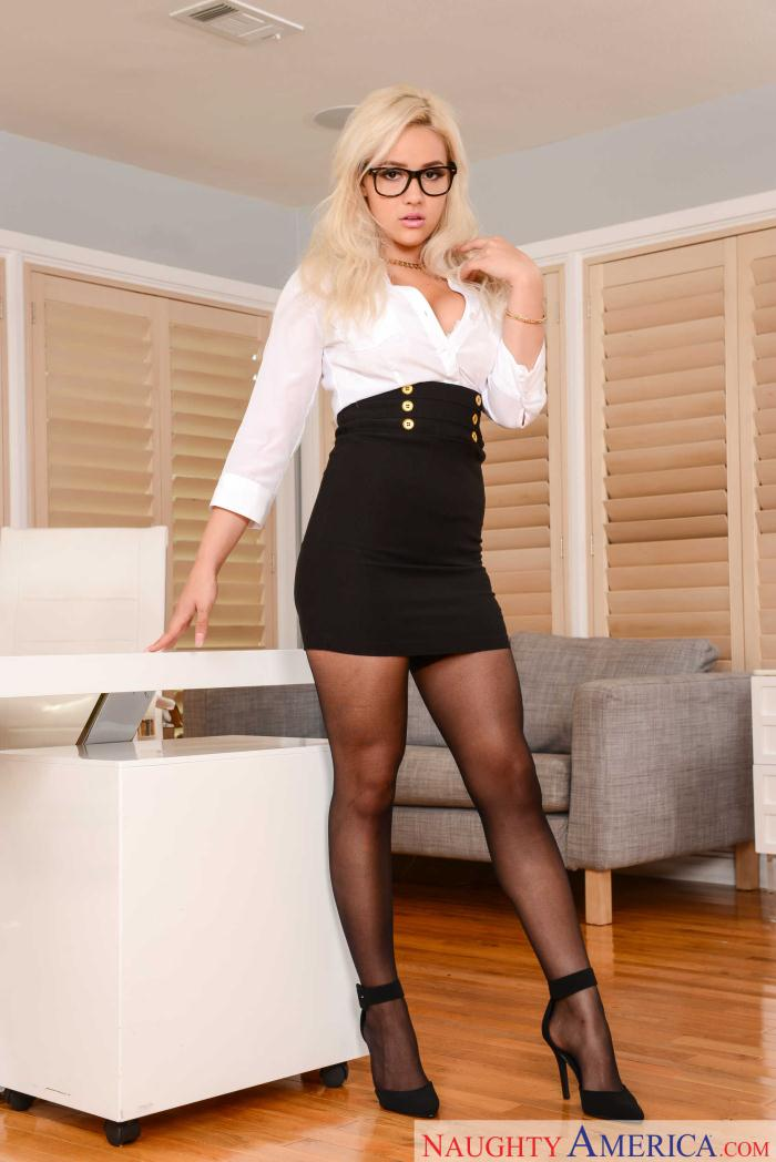 Kylie Page - Naughty Office  [HD 720p]