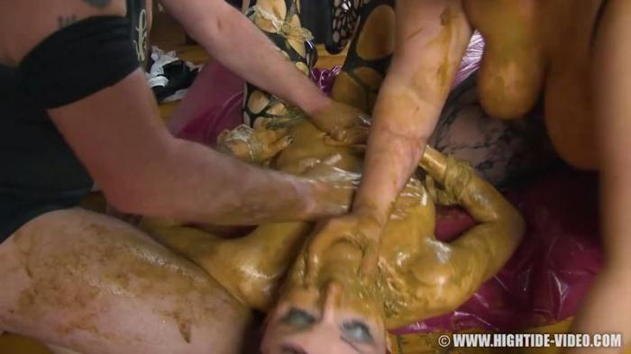 la cucina marrone - Group Shitting (Scat Porn) HD 720p