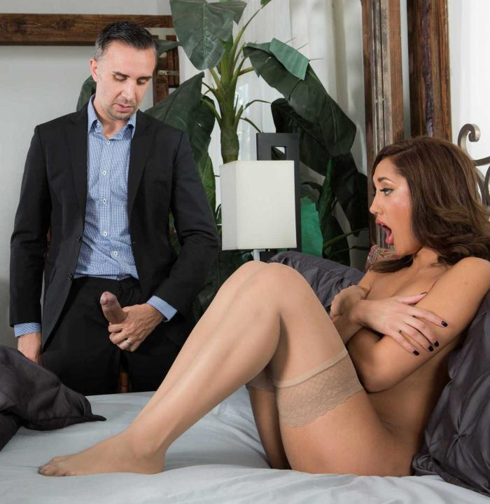 RealWifeStories/Brazzers: Chloe Amour - Paid In Full  [HD 720p]