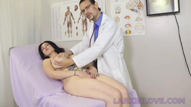 Larkin Love's Fetish Theater / Clips4Sale: Larkin Love - Shy Stepmom Spread And Examined In Front Of Son (HD/2016)