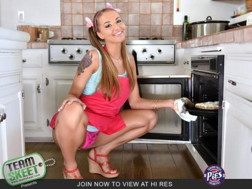 T33nP13s.com [Avery Adair - Iced Pussy Pastries] SD, 540p