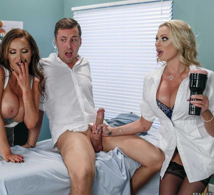 DoctorAdventures/BraZZers: Nikki Benz, Briana Banks - Dick Stuck In Fleshlight  [HD 720p]  (Threesome)
