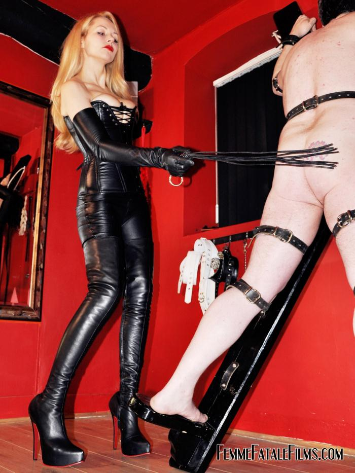 FemmeFataleFilms: Mistress Eleise de Lacy - A Cross to Bear  [HD 720p]  (Femdom)