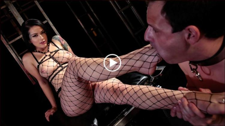 Goddess Katrina Jade pegs her slave with a strapon / 07.10.2016 [DeviantHardcore / FullHD]