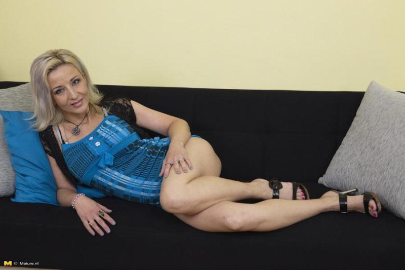 Mature.nl: Brenda B - Mature Lady Masturbating [FullHD] (1.09 GB)