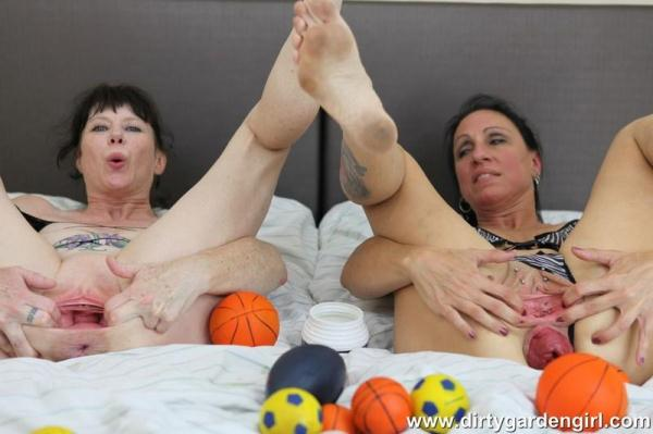SexySasha & Dirtygardengirl prolapse balls fun - DirtyGardenGirl.com (FullHD, 1080p)