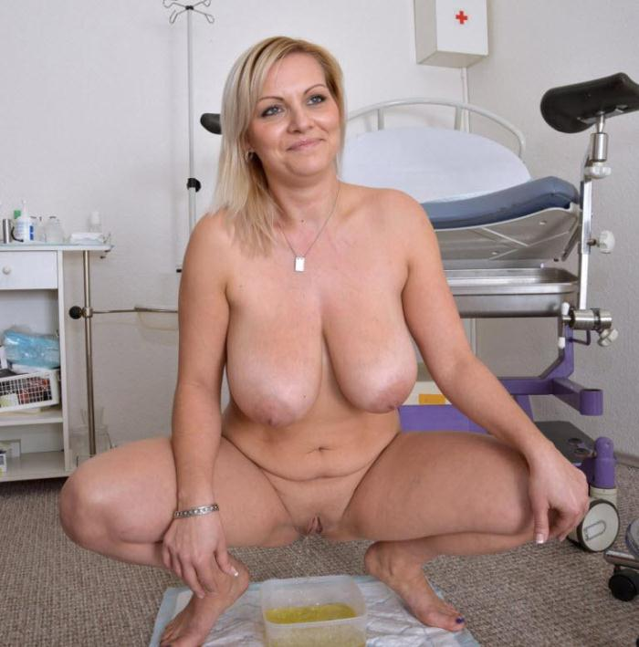 Gyno-X.com - Kristen Klark - 30 years girl gyno exam (Pissing) [HD, 720p]