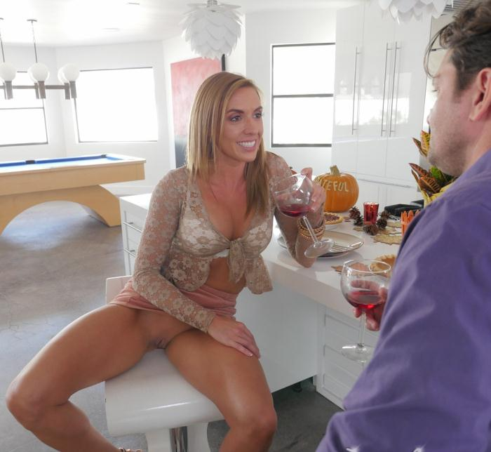 Puremature: Kate Linn - Horny Housewife Holiday  [HD 720p]