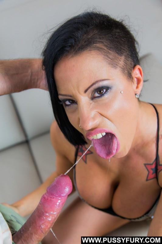 (Tattoo / MP4) Gigi Love - Max is hungry...of pussy PussyFury.com - SD 540p