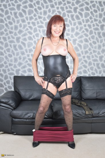 Wendy Taylor - Wendy Taylor (46) - British mature lady fooling around (Mature/SD/540p/370 MB) from Rapidgator