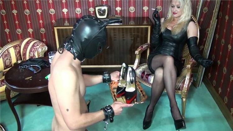 Herrin Cynthia - Foot slave - Part 2 / 14 November 2016 [HD]