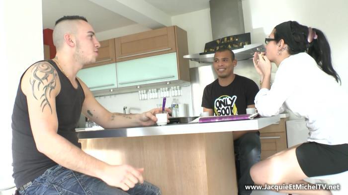 JacquieEtMichelTV.net - Noeline - Deux jeunes mecs pour Noeline ! [FullHD 1080p]