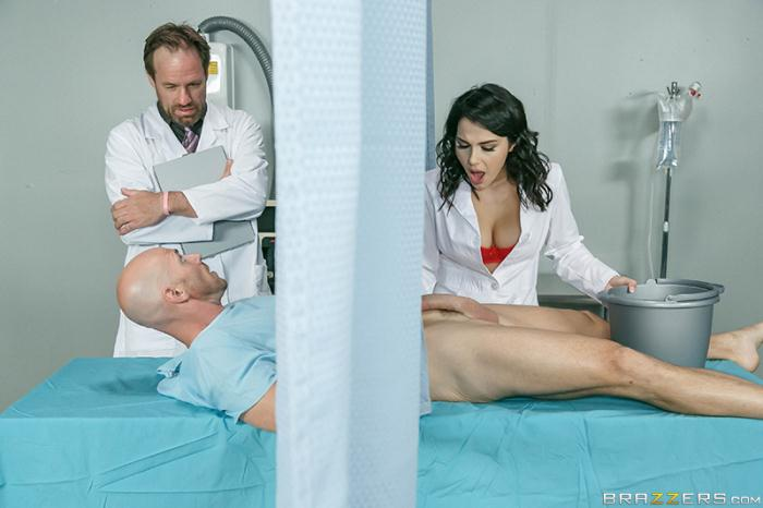 DoctorAdventures/Brazzers: Valentina Nappi - A Nurse Has Needs  [SD 480p]  (Big Tits)