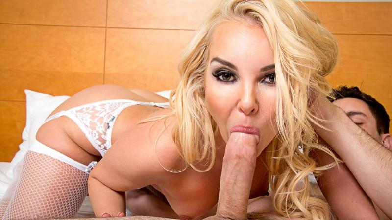 T0n1ghtsG1rlfr13nd.com: Aaliyah Love, Brad Knight [SD] (833 MB)