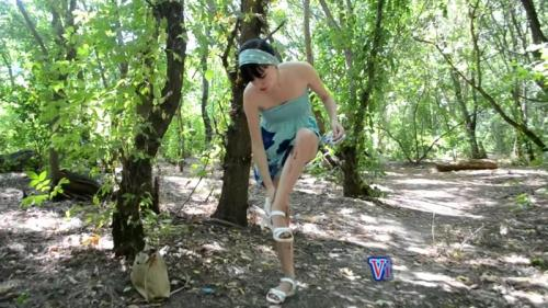 Scat [I shit in my pants while walking in the park] FullHD, 1080p