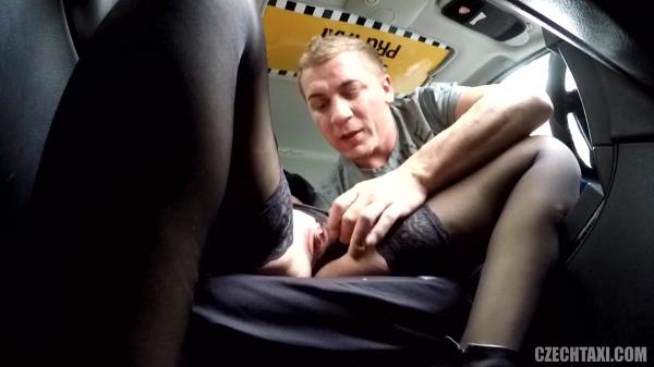 znasilneni video czech taxi
