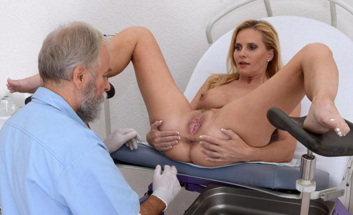 Clara Muller - 41 years woman gyno exam (Gyno-X) HD 720p