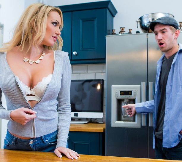 MommyGotBoobs/Brazzers: Amber Jayne - Don't Fuck The Mother-In-Law  [SD 480p] (213 MiB)