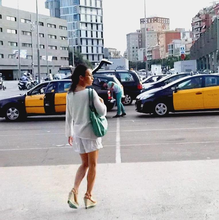 RedDevilX: Lady Mai - Glassman En busca de la Plaza Sants  [HD 720p] (917 MiB)