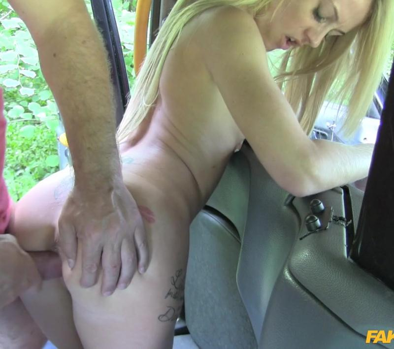 FakeTaxi: Carmel Anderson - Tiny Blonde Loves Big Dick  [HD 720p] (479 MiB)