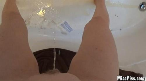 Morning Pee from Behind  [FullHD 1080p]