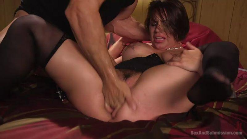 S3x4ndSubm1ss10n.com: The Favorite Whore [SD] (572 MB)