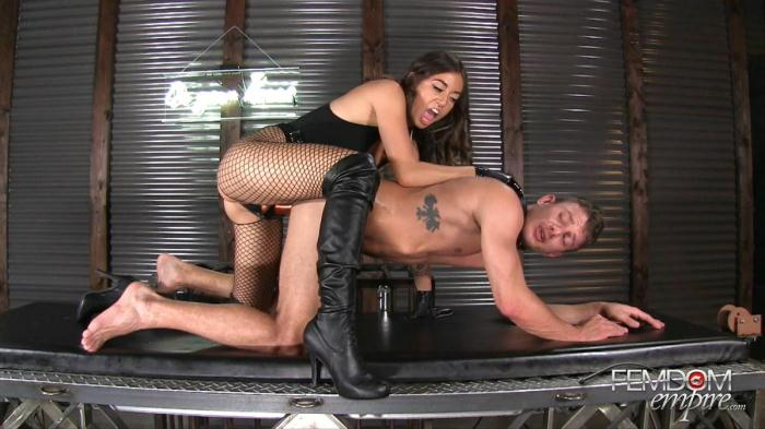 Hole Stretcher (F3md0m3mp1r3) FullHD 1080p