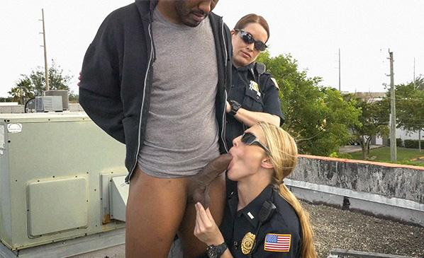 BlackPatrol.com: Break-In Attempt Suspect has to fuck his way out of prison [SD] (341 MB)