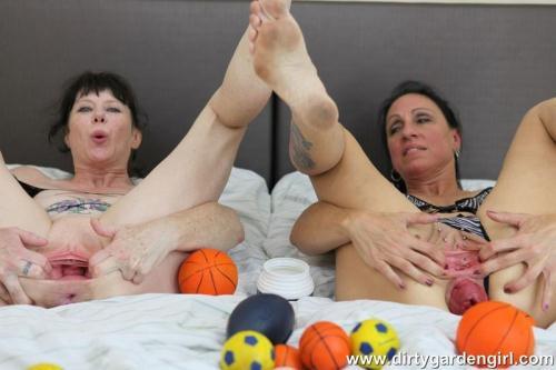 DirtyGardenGirl.com [SexySasha & Dirtygardengirl prolapse balls fun] FullHD, 1080p