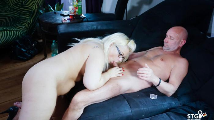 SextapeGermany: Mariella Sun - Missionary to doggy drill for chubby German blonde slut in first time porn [HD 325 MB]