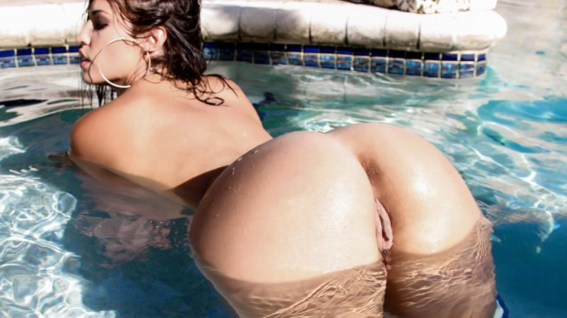 BigWetButts/Brazzers: Kelsi Monroe - Cum Splash All Over Kelsi Monroe's Ass  [SD 480p] (351 MiB)