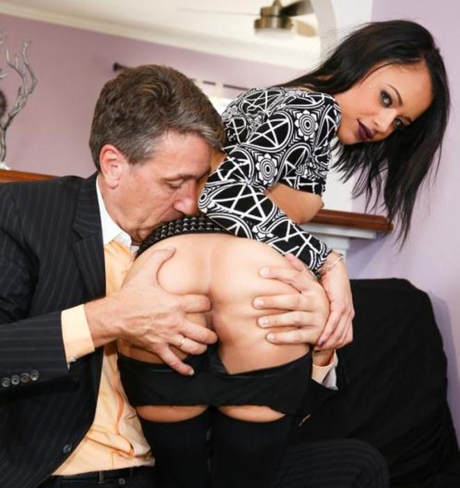 BurningAngel: Holly Hendrix - Daddy Fuck My Ass [SD 508 MB]