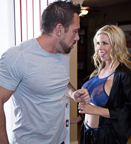 DirtyWivesClub/NaughtyAmerica: Alexis Fawx - Dirty Wives Club  [SD 480p] (649 MiB)
