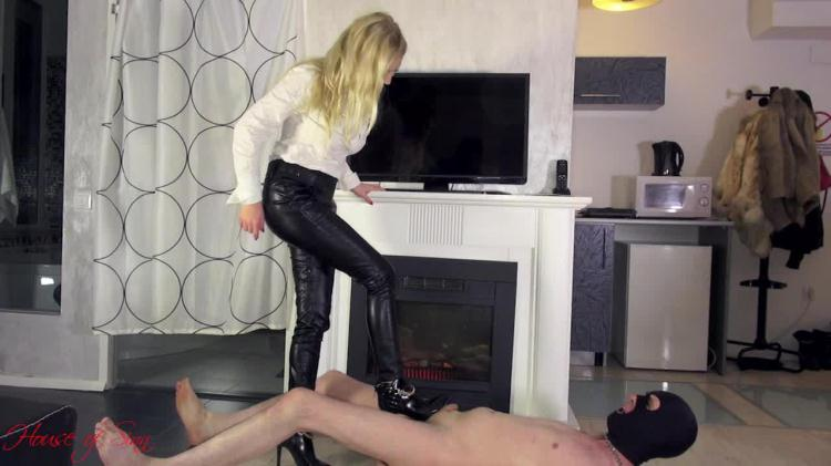 High heels trampling by Mistress Lilse von Hitte / 02 Nov 2016 [Clips4sale, HouseOfSinn / HD]