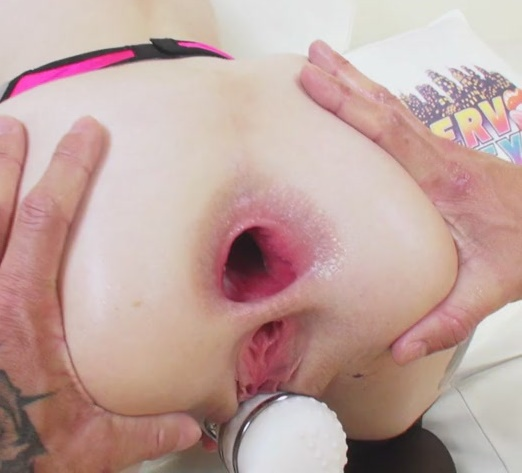 UpHerAsshole/PervCity: Anna de Ville - Shows us her heart shaped gape  [SD 480p]  (Anal)