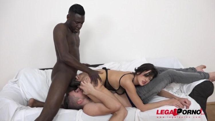 Ria Sunn kinky interracial cuckold experience with her boyfriend IV017 / 25 Nov 2016 [LegalPorno / SD]